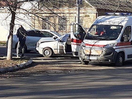В Херсоне пострадали люди в аварии у