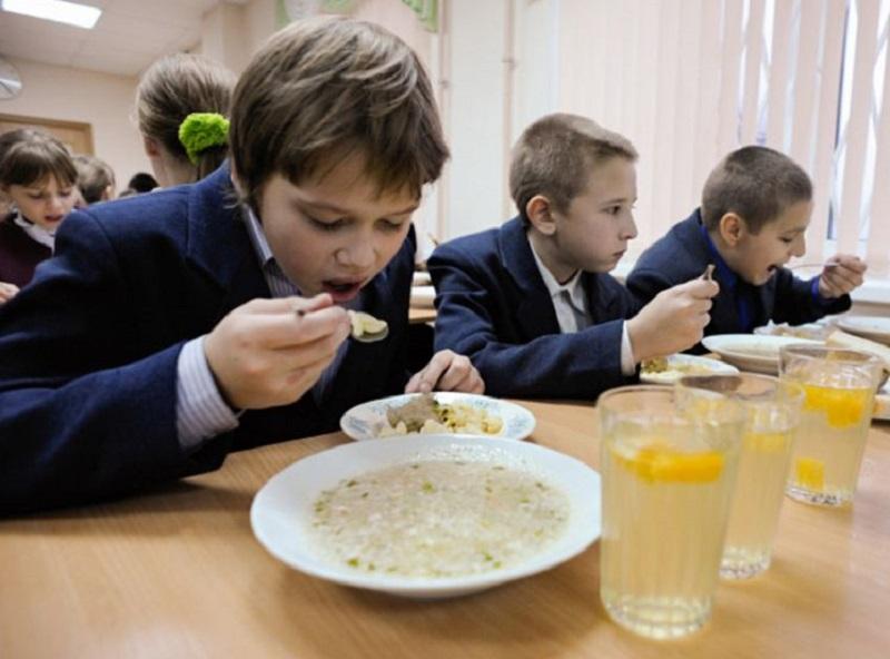 Зимові канікули - час для влади покращити харчування в херсонських школах