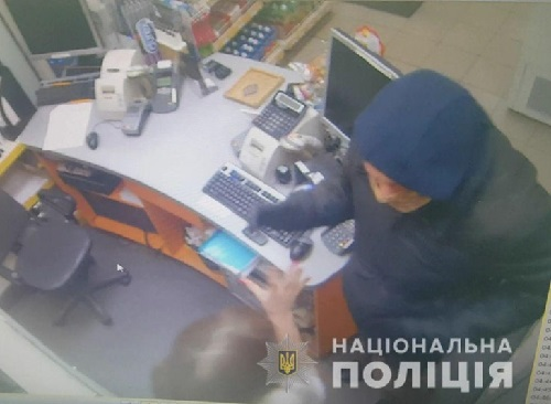 Геніческькі поліцейські встановили злочинця, що скоїв напад на підприємця