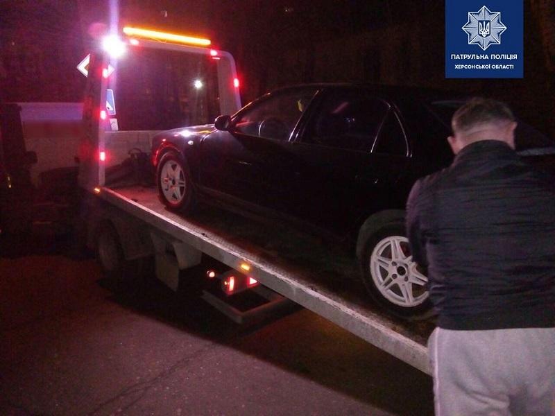 Как нетрезвый водитель в Херсоне попытался оправдаться перед полицией