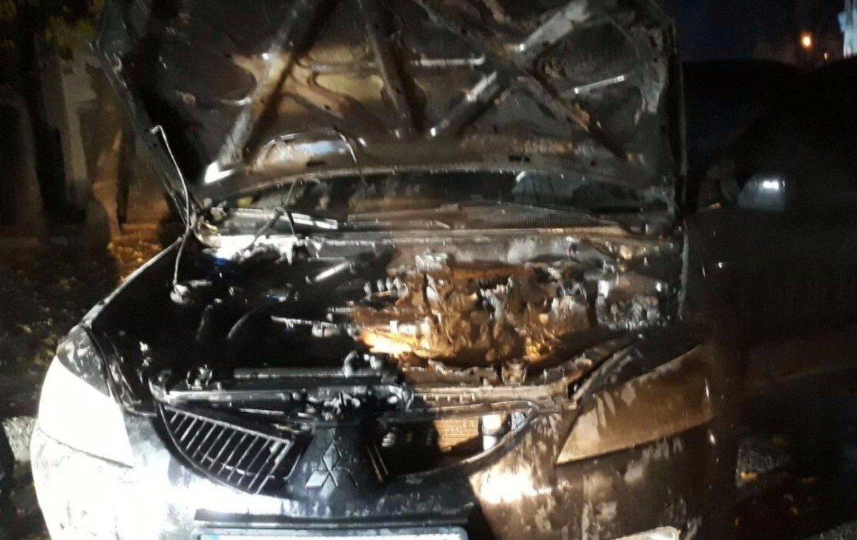 В Херсоне сегодня ночью горел автомобиль
