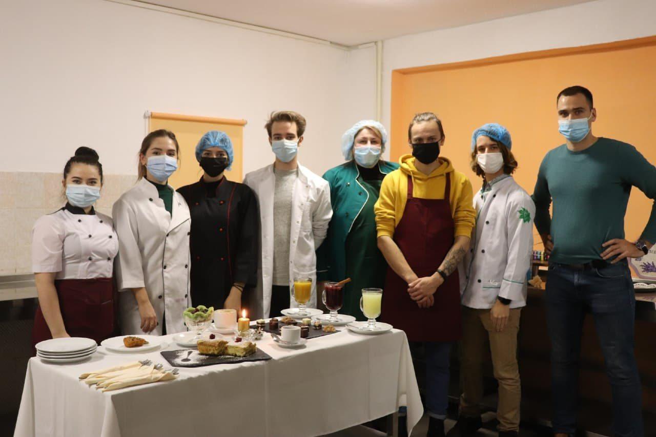 Студенти Херсонського держуніверситету удосконалюють свою кулінарну майстерність