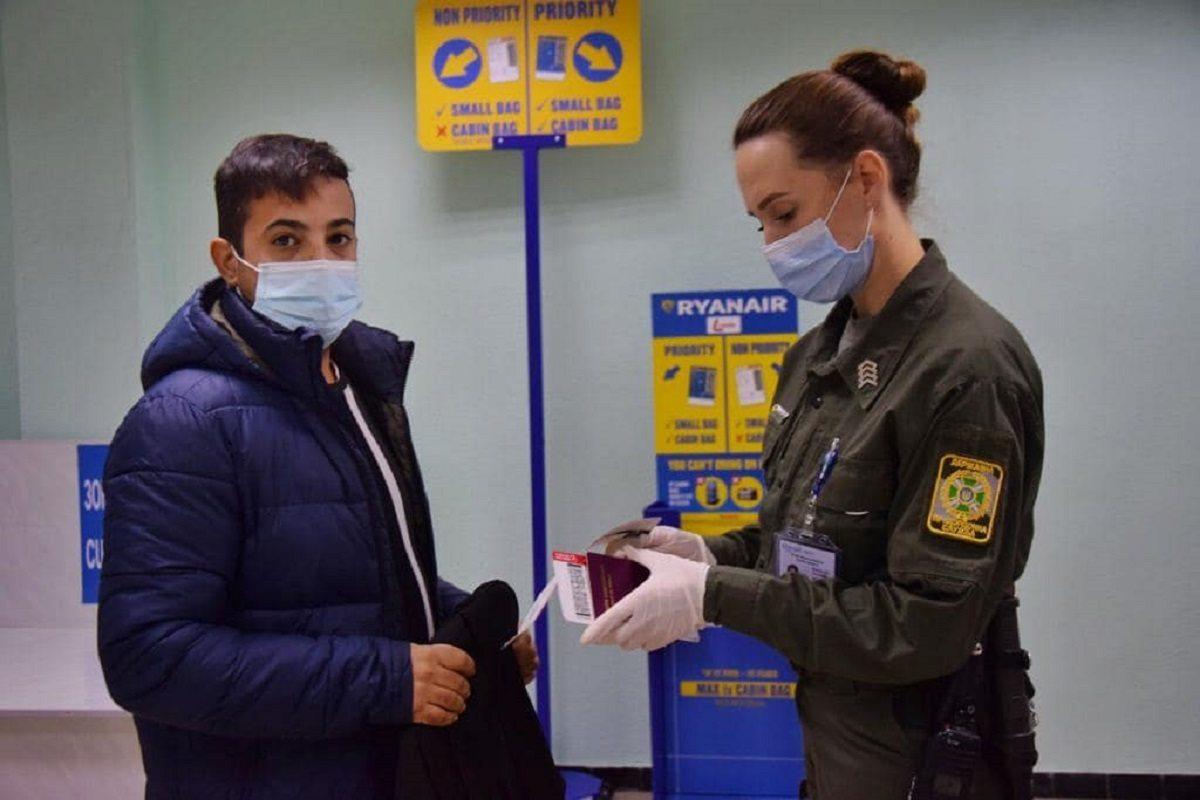 В Херсон не пропустили иностранца, который незаконно посещал Крым