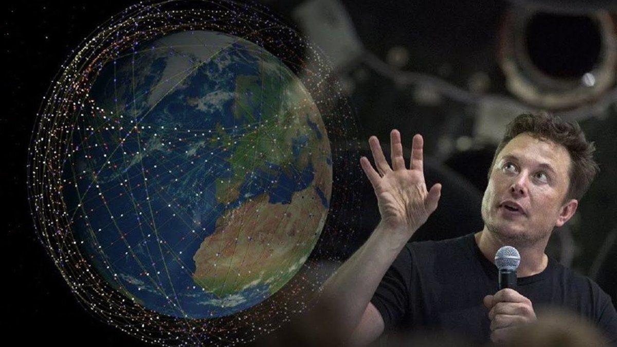 В Херсоне сняли на видео цепочку спутников
