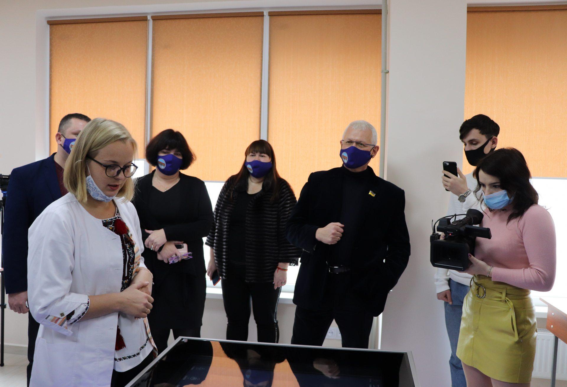 У Херсонському держуніверситеті відкрили нову сучасну лабораторію