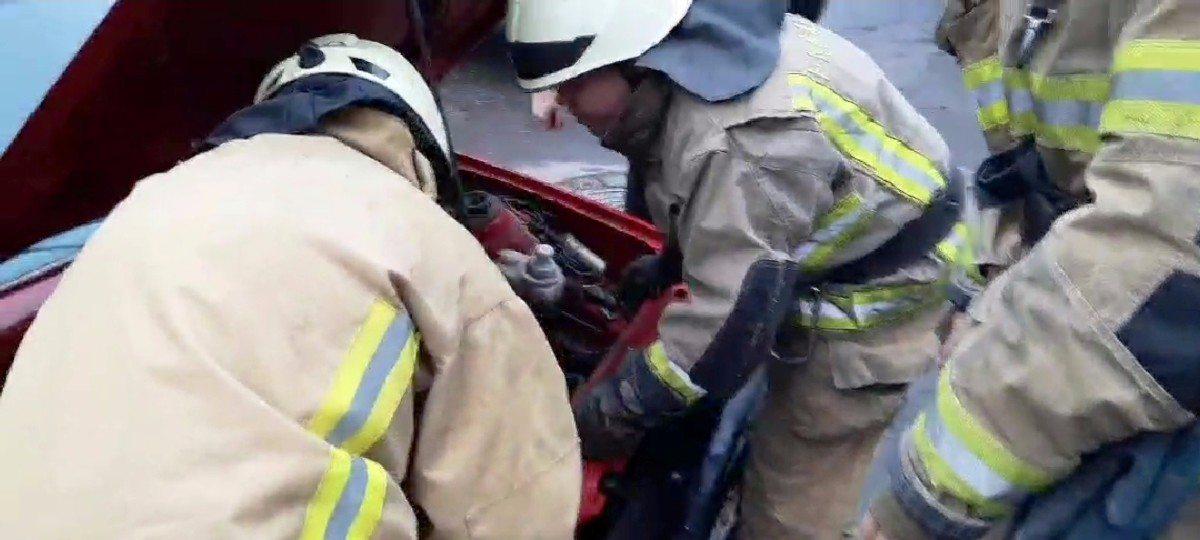 В Херсоне горел легковой автомобиль на Таврическом