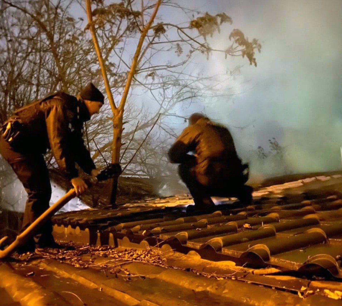 Херсонские патрульные потушили пожар дома в Днепровском районе