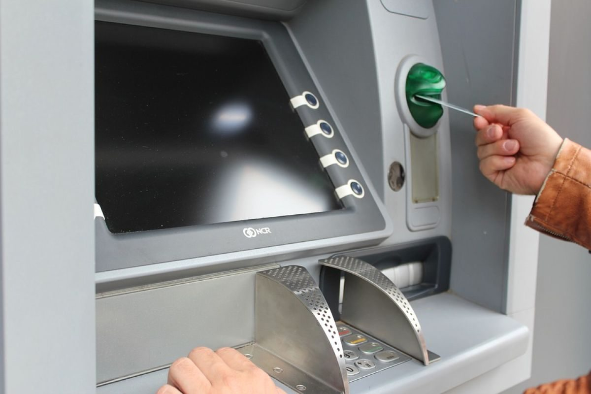 На Херсощине поймали вора, обчистившего банковскую карточку пенсионерки