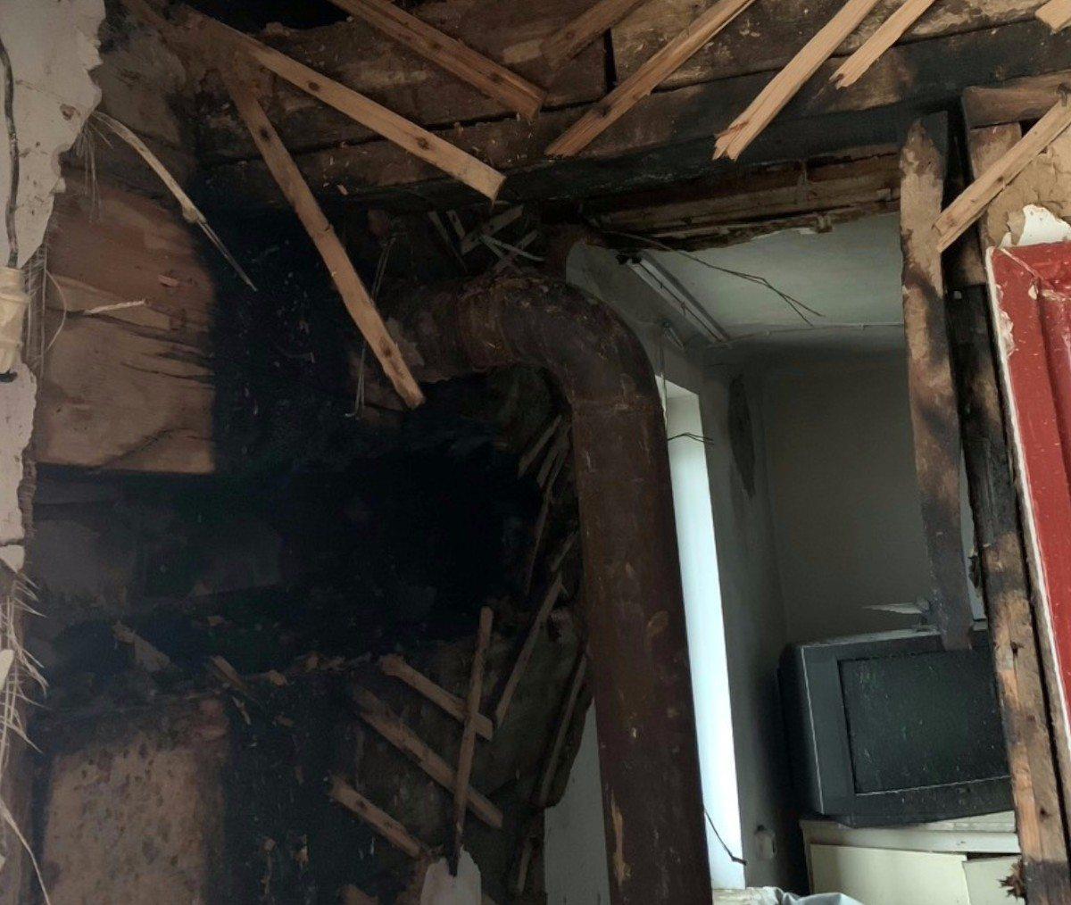Херсонские спасатели потушили пожар дома на Жилпосёлке