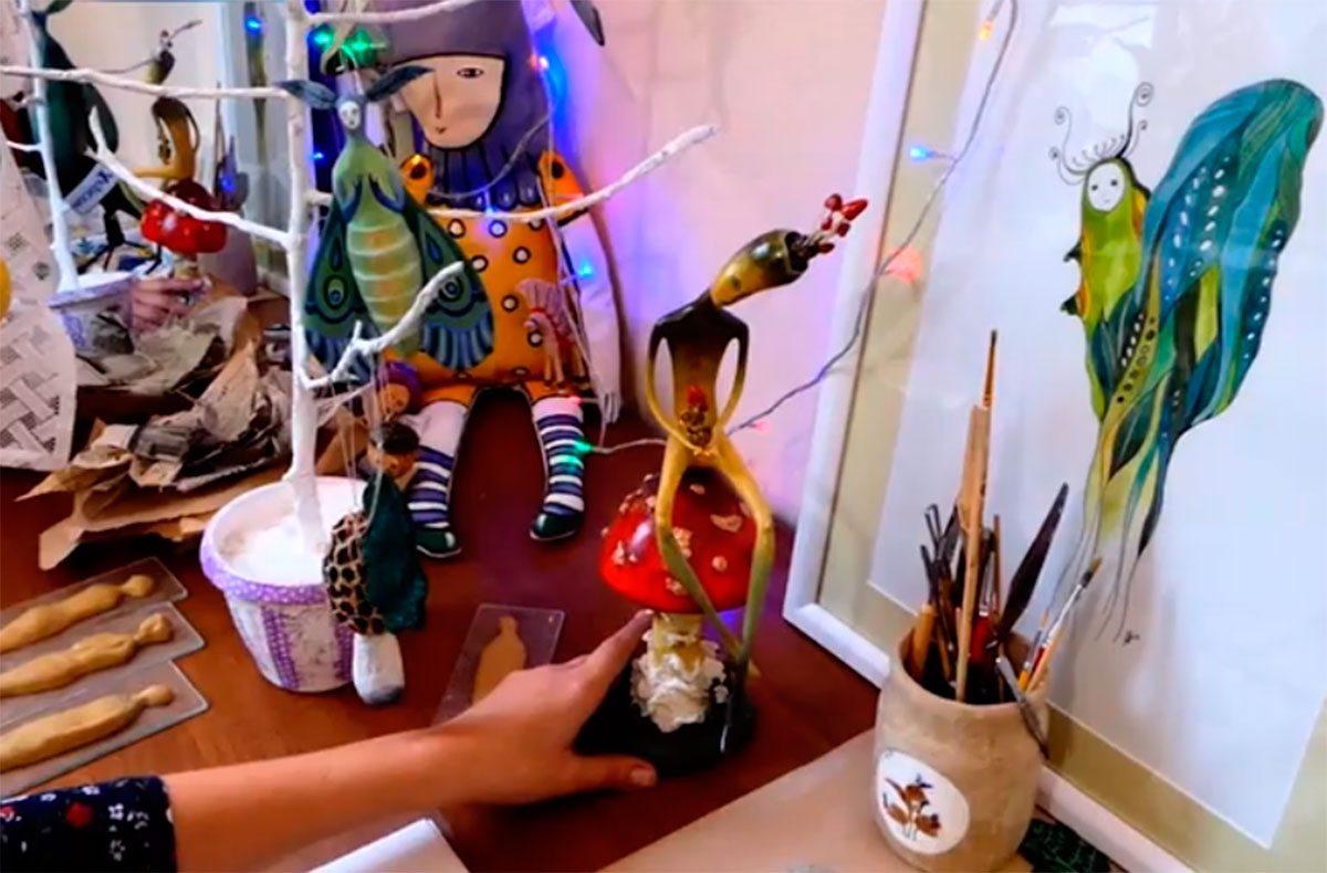 У Херсоні виготовляють новорічні іграшки власноруч