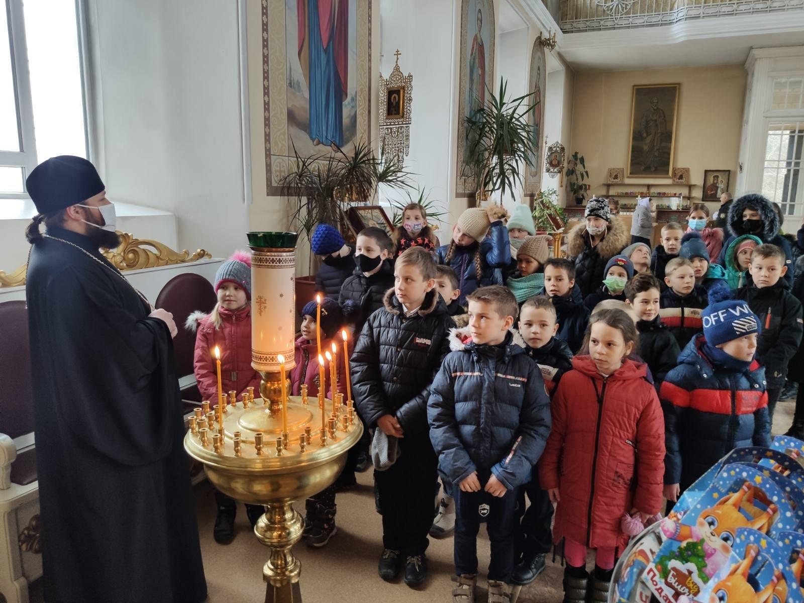 Херсонским детям рассказали о святом Николае Чудотворце