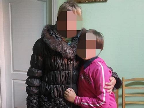 На Херсонщині поліцейські врятували від дядька-тирана двох маленьких племінниць