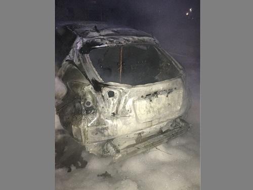 В Новой Каховке сожгли два автомобиля