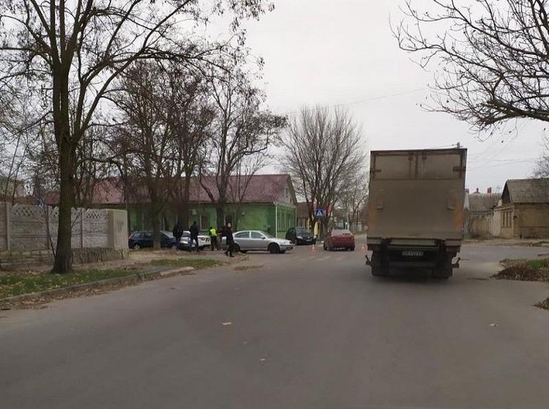 В Херсоне разбился автомобиль на злополучном перекрестке (видео)