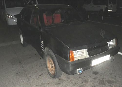 На Херсонщині прикордонники виявили автомобіль з підробленими документами