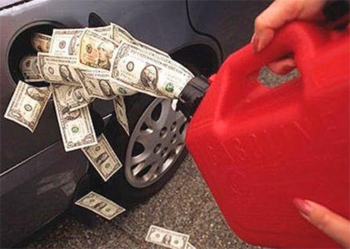 Егор Устинов: Необходимо отказаться от валютной привязки топливных акцизов и устанавливать их в гривне